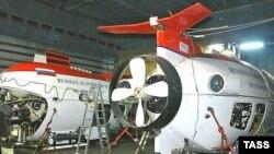 Глубоководные аппараты «Мир-1» и «Мир-2», взявшие пробы грунта на хребте Ломоносова