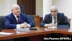 Роберт Ильязов (слева)