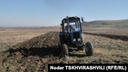 Дискуссия вокруг упрощения законодательных норм регистрации земель сельхозназначения идет в Грузии с октября прошлого года