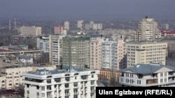 Бишкек шаарында курулуп жаткан үйлөр