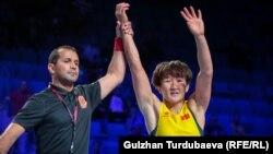 Айсулуу Тыныбекованын дүйнө чемпионатынын финалына чыккан учуру. 19-сентябрь, 2019-жыл.