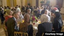 Обама америкалык мусулмандар менен.