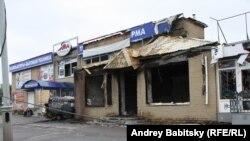 Oameni, străzi şi distrugeri la Sloviansk