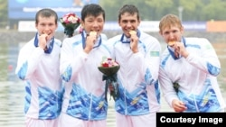 1000 метрге төрт адамдық байдарка қайықпен жарысуда Қазақстан құрамасы алтын медаль алды. Инчхон, 29 қыркүйек 2014 жыл. Суретті түсірген - Никита Басов.