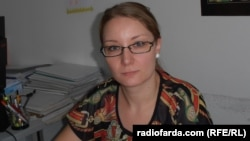 Тања Божинова социјален работник во Центарот за социјална работа во Куманово.