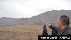 Баткен району менен Тажикстандын Исфара району чектешкен жердеги талаштуу делген аймак, 2011-жылдын 27-марты.