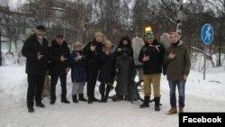 участники прогулки свободных людей в Архангельске