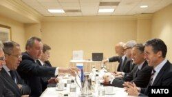 Întrevedere Anders Fogh Rasmussen -Sergey Lavrov la New York