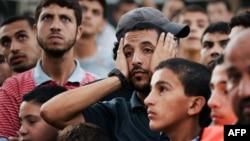 گروهی بزرگ از ساکنان غزه طی حملات یک ماه گذشته آواره شده یا خانه و محل سکونت خود را از دست دادهاند. موشکباران حماس نیز آژیر قرمز را پس از مدتها در شهرهایی مانند تلآویو و بیتالمقدس به صدا درآورد