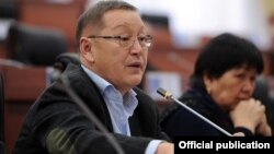 Осмонбек Артыкбаев, Қырғызстан парламентінің депутаты.