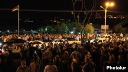Armenia - Hundreds of people demonstrate outside the Harsnakar restaurant in Yerevan, 8Jul2012.