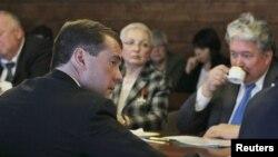 Президент Медведев на встрече с представителями незарегистрированных партий