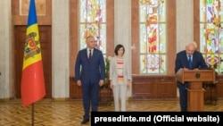 Vicepremierul pentru reintegrare Vasili Şova depune jurământul