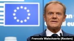 Европа кеңешинин президенти Брюсселдеги саммитте сүйлөп жатат, 29-июнь, 2018-жыл.
