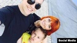 Элина Галва вместе с детьми
