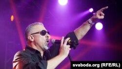 Нязьменны ад 25 гадоў саліст гурту «Крама» Ігар Варашкевіч.