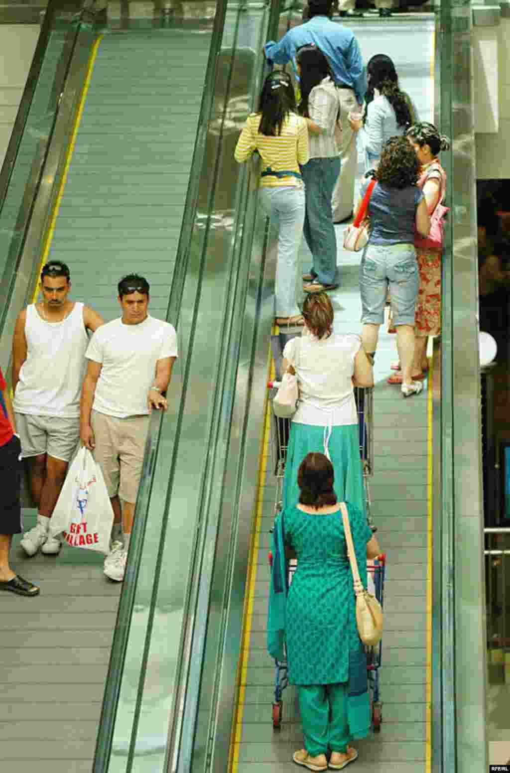 پله برقی در «سیتی سنتر» دبی