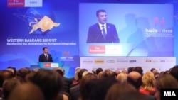 """Зоран Заев на Самитот на """"Економист"""" во Скопје"""