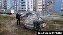 """Соципотечнки """"Салават күпере"""" собирают палатки"""