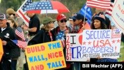 Trump tərəfdarları yürüş keçirir, arxiv fotosu