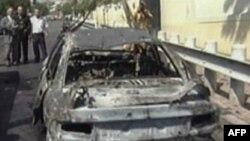 Одна из сгоревших у американской миссии машин