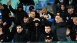 مسابقه بین بلغارستان و انگلستان به دلیل رفتار نژادپرستانه هواداران تیم بلغارستان از جمله دادن سلامهای نازی دو بار متوقف شد.