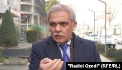 Каромат Шарипов моҳи майи 2020 дар Тоҷикистон даргузашт