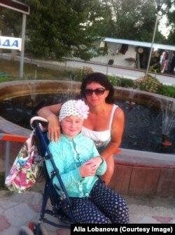 Оксана Лобанова вместе с Дашей