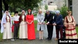 Литваның Тракай шәһәрендә татар скверын ачу тантанасы