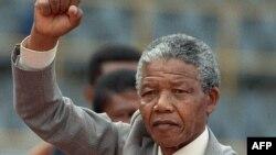 Nelson Mandela nekoliko dana nakon puštanja iz zatvora, 25. februar 1990.