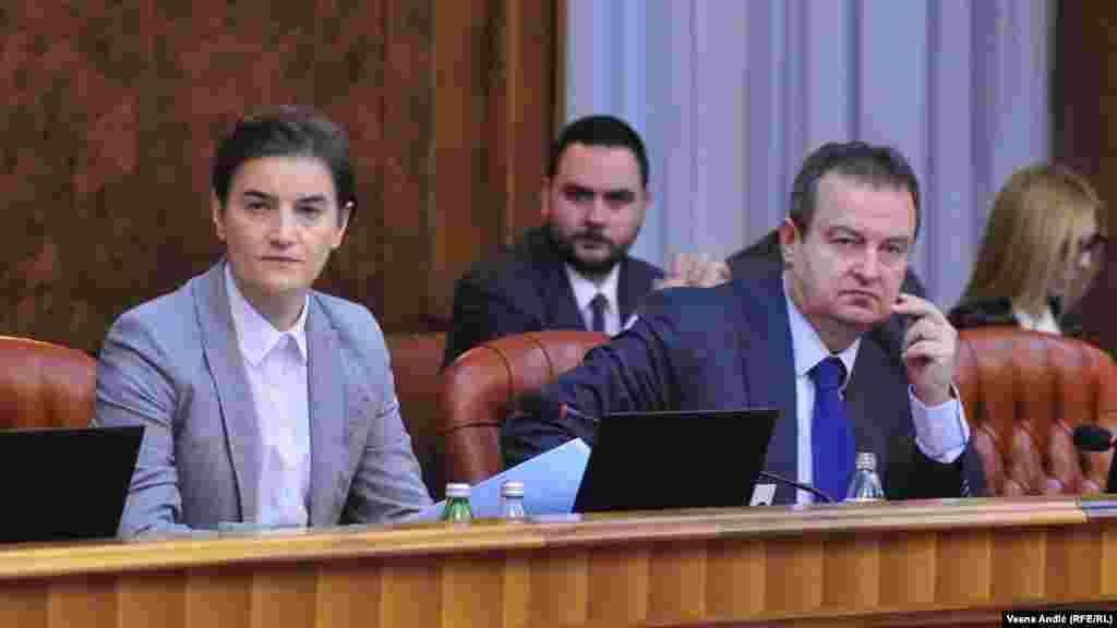 СРБИЈА - По изборот на шефот на српкста дипломатија, Ивица Дачиќ, за собраниски спикер, неговата функција министер за надворешни работи ќе ја преземе премиерката на Србија, Ана Брнабиќ.