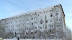 Frozen Families, Ice-Bound In Irkutsk