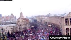 Майдан Незалежности в Киеве. 1 декабря 2013 года