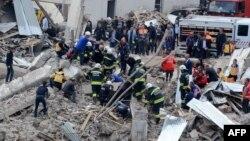 На місці вибуху в Діярбакирі, Туреччина, 11 квітня 2017 року