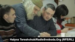 Лев Скоп (в центрі) та Олександр Кузмінов (праворуч)