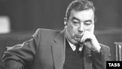 Євген Примаков бере участь у телемості «СРСР – США», 1987 рік