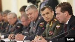 Дмитрий Медведев на встрече с сотрудниками Министерства внутренних дел РФ, февраль 2011 г