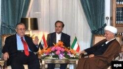 جلال طالبانی، رئيس جمهوری عراق و علی اکبر هاشمی رفسنجانی، تهران ۹ اسفند ۱۳۸۷