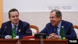Міністр закордонних справ Сербії Івіца Дачіч та очільник МЗС Росії Сергій Лавров, Сочі, 1 липня 2016 року