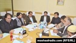 کوټه: پاکستان کې افغان سفير جانان موسى زي له سوداګرانو سره د غونډې پر مهال