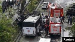 Стамбулдагы бомба жарылган жер.