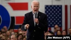 Претендент в кандидаты на пост президента США и бывший вице-президент США Джо Байден. Айова, 2 февраля 2020 года.