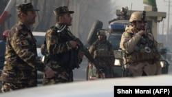 Forțe de securitate au blocat drumul din apropierea locului unde a avut loc atacul