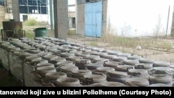 Otpad u krugu tvornice Poliolhem, Tuzla, 2016.