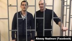 Журналист Алексей Назимов (п) и депутат горсовета Алушты Павел Степанченко (л)