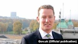 Член палаты Лордов Великобритании барон Грегори Баркер придумал и реализовал план спасения бизнеса Дерипаски
