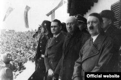 Гитлер на открытии Олимпиады в Берлине, 1936 год
