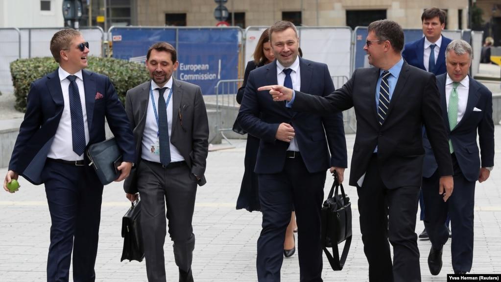 Гончарук не готовий оцінювати газові транзитні переговори з Росією до їх завершення