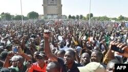 Стихийный митинг в столице Буркина-Фасо городе Уагадугу. 2 ноября