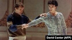 """Рудольф Нуреев и Лоран Илер на репетиции постановки """"Лебединого озера"""" в Нью-Йорке. Фото из архива"""